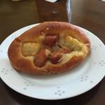ブーランジェリーニシノ - チョリソーが使われてるパン  200円