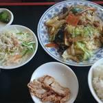 台湾料理 嘉宴楼 - 料理写真:ランチ回鍋肉