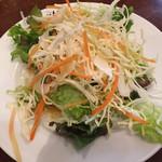 にんにくや - ランチのサラダ
