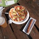 石窯工房 ベルク - 料理写真:ソーセージにビールに、ジャーマンピザ。ドイツづくし。