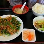金龍美食 - 同行のNさn「意外と美味しかった。」との感想でした。