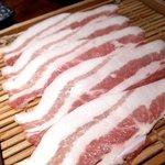 コラーゲン豚しゃぶの店 黒豚の桜蔵 - 六白黒豚バラ