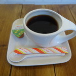 パタタ食堂 - ランチは162円でコーヒーがつけられる