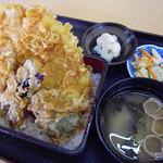 35830252 - 魚天重(780円)