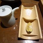 豆腐料理 空野 - 塩か出汁醤油で