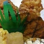 お弁当 紅や - 唐揚げ・ハンバーグ・玉子焼き・マカロニサラダ…