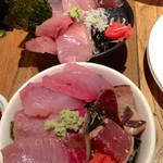 大衆ビストロ Hamakin - 海鮮丼にしてみました(^^) (2015.03現在)
