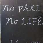 NARI屋 - 店頭のボードに「ノーパクチー・ノーライフ」と書いてあります。                             パクチー好きの店?!実際は、タイ・ベトナム・辛い・パクチーと女性ウケする要素が揃ってます。