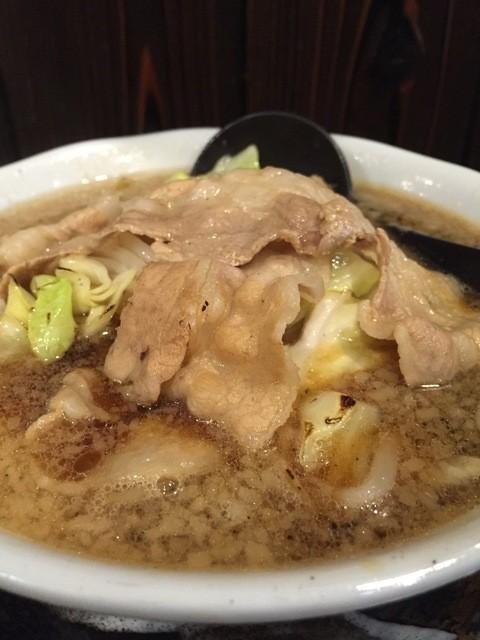 麺屋わっしょい - 黒醤油には、薄切りばら肉