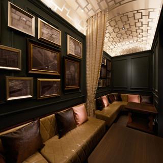 秘密のシークレットルームは半個室!