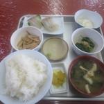 市場食堂 - 料理写真:刺身定食