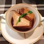 カジュアル和食と地酒しおさか - 豚の角煮