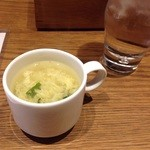 35849927 - ランチのカップスープ。寄りで撮っていますが、実際はミニサイズのカップです。