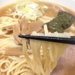 入谷大勝軒 - 太ストレート麺