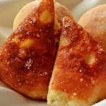 アン テラス - ポテトのフォカッチャ&米粉のパン