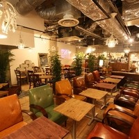 Risotto Cafe 東京基地 - ソファー席