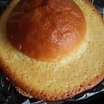 パン工場 - ぼうしパン