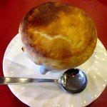 トラットリア イ・ルミナーレ - Bコースのさくさくパイ包みときのこのクリームスープ!