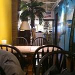 ロコズダイナー - テーブル席
