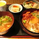 35860126 - カツ丼
