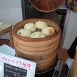 福慶 - 蒸したてを保温して、販売しています。