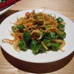 35867883 - 前菜 あまり辛くない唐辛子と揚げたジャコ