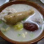コリアンバール 一天張 - サムゲタンが気軽に食べられるのが嬉しい。食材にこだわった自家製。