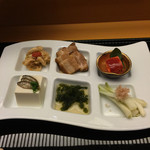 35875441 - 海ぶどう、らふてぃ、みみがー、豆腐よう、島らっきょ、すくがらす豆腐