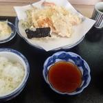 いもや - 天ぷら定食 800円+茗荷の天ぷら