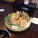 更科 - 野菜天婦羅8点盛り¥700