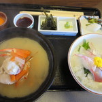 35878307 - ミニ海鮮丼と漁師汁