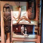 樽平 - 大将が現地で買い付けてきた民芸品もたくさん