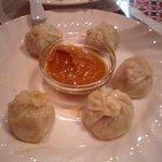 アジアン レストラン - ネパール料理の「モモ」水餃子みたいで美味しいです。