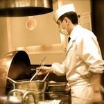 天ぷら ひさご - あがった天ぷらをあげるときは、アルミ?の箸で。