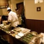 天ぷら ひさご - いろいろな食材が置かれています!