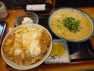 千成 - カツ丼(¥680)まゆたまはっと(¥540)自力セット