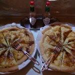 バー エアーズ ロック - 生地が薄めのパリッとしたピザ