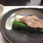鴨正 - 鴨と季節の野菜の南部鉄器焼き