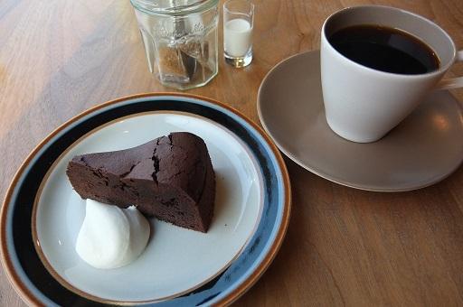 ジュビリーコーヒーアンドロースター - ジュビリーコーヒーのフレンチとガトーショコラ