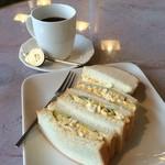 ハーバーカフェ - タマゴサンドとアメリカンコーヒー