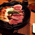 35893528 - 蔵王鴨とねぎの陶板焼:1,500円