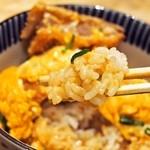 豊家 - ハーフ&ハーフ 並盛(ふわとろ玉子カツ丼)