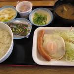 松屋 - ソーセージエッグ定食27.3.13