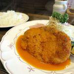 アラカルト - 洋食屋さんのとんかつ1080円とライス210円