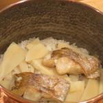 35897371 - 炊きたての、のどぐろとたけのこの炊き込みご飯