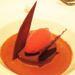 モザイク - グアナラチョコレートのタルトレット ロゼシャンパンのソルベ 温かいショコラソース