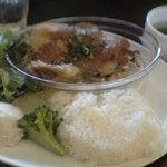 M/13 CAFE - 日替わり900円。この日は鶏肉と茸の胡麻味噌ソース