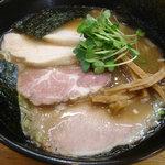 麺屋信玄 - 豚骨醤油ラーメン950円