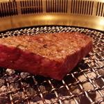 35903370 - 山形牛ももステーキ 焼き
