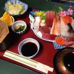 味慎 - 特別定食(これにカレイのから揚げがつく) ¥1500